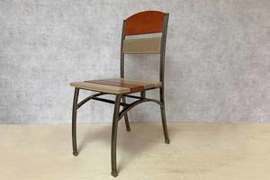 Աթոռ հաճարի փայտից և երկաթից AF152